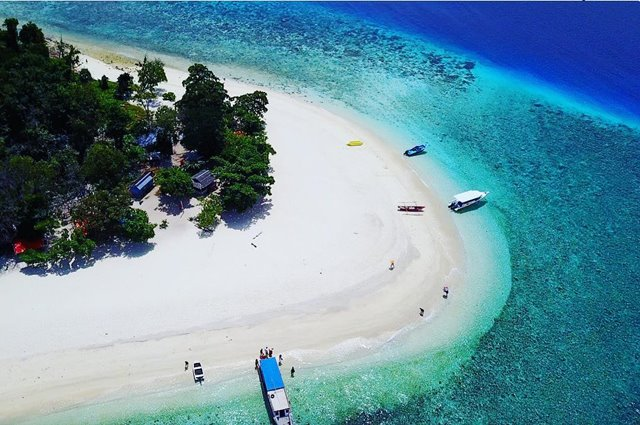 Pulau-Lihaga-di-Minahasa-IGharyantojeffry